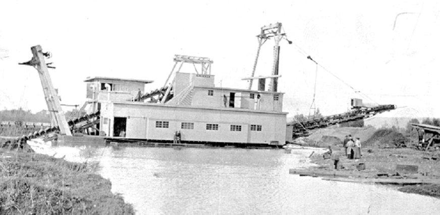 Gold mining dredge circa 1910 (USGS)